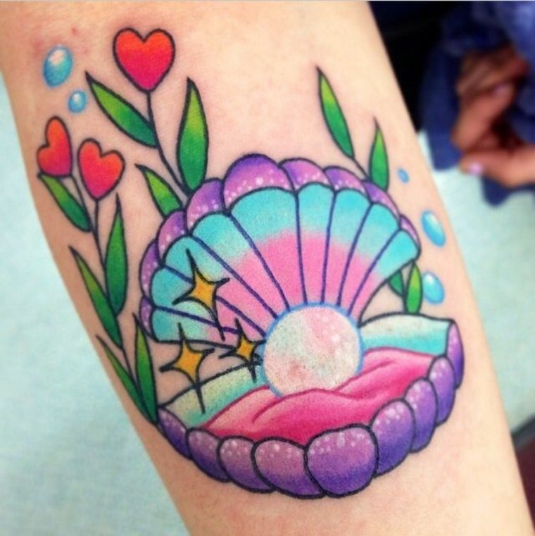 tatuaje kawaii concha perla
