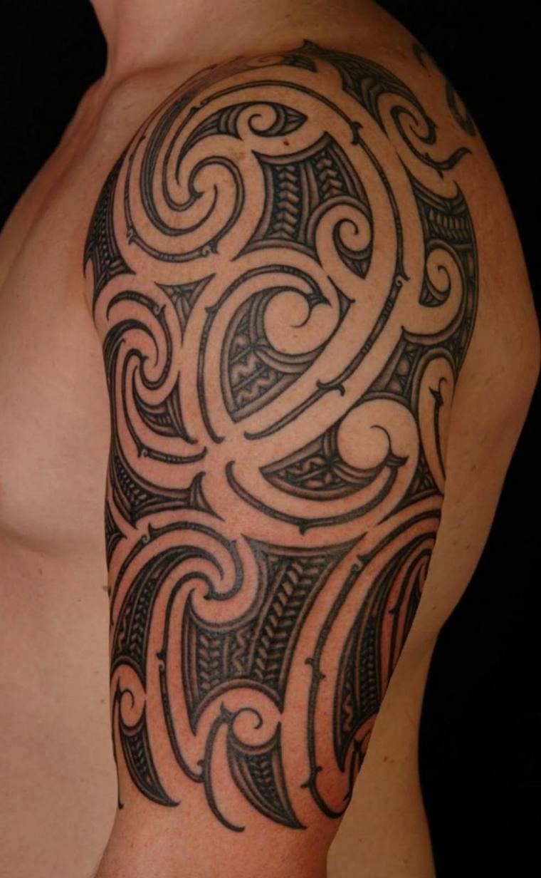 tatuaje maorí para hombres