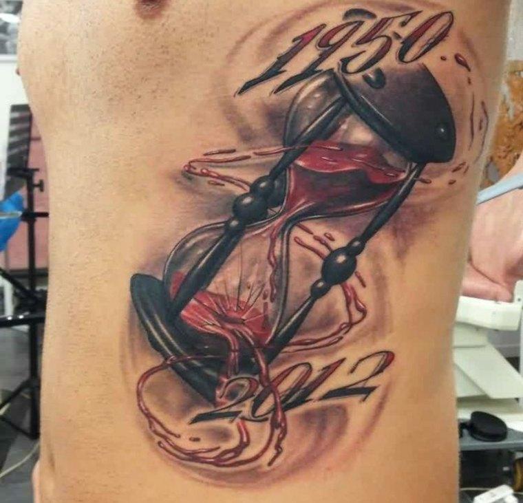 tatuaje reloj de arena cuerpo