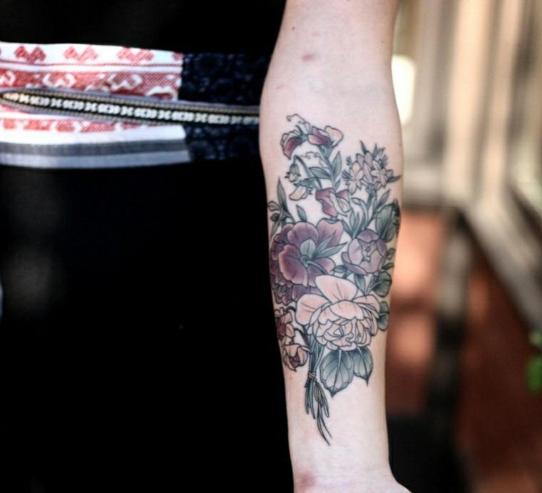 tatuajes con flores brazo