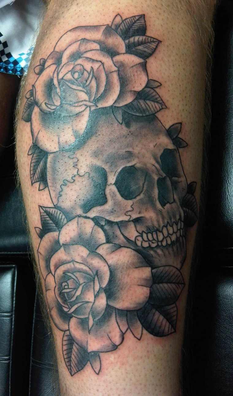 tatuajes-creneos-rosas-opciones