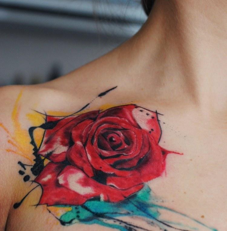 tatuajes-de-flores-mano-opciones-rosa-roja