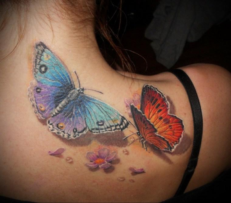 tatuajes de mariposas-dos-colores