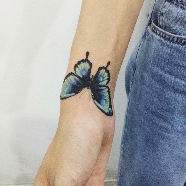 tatuajes-de-mariposas-muneca-opciones
