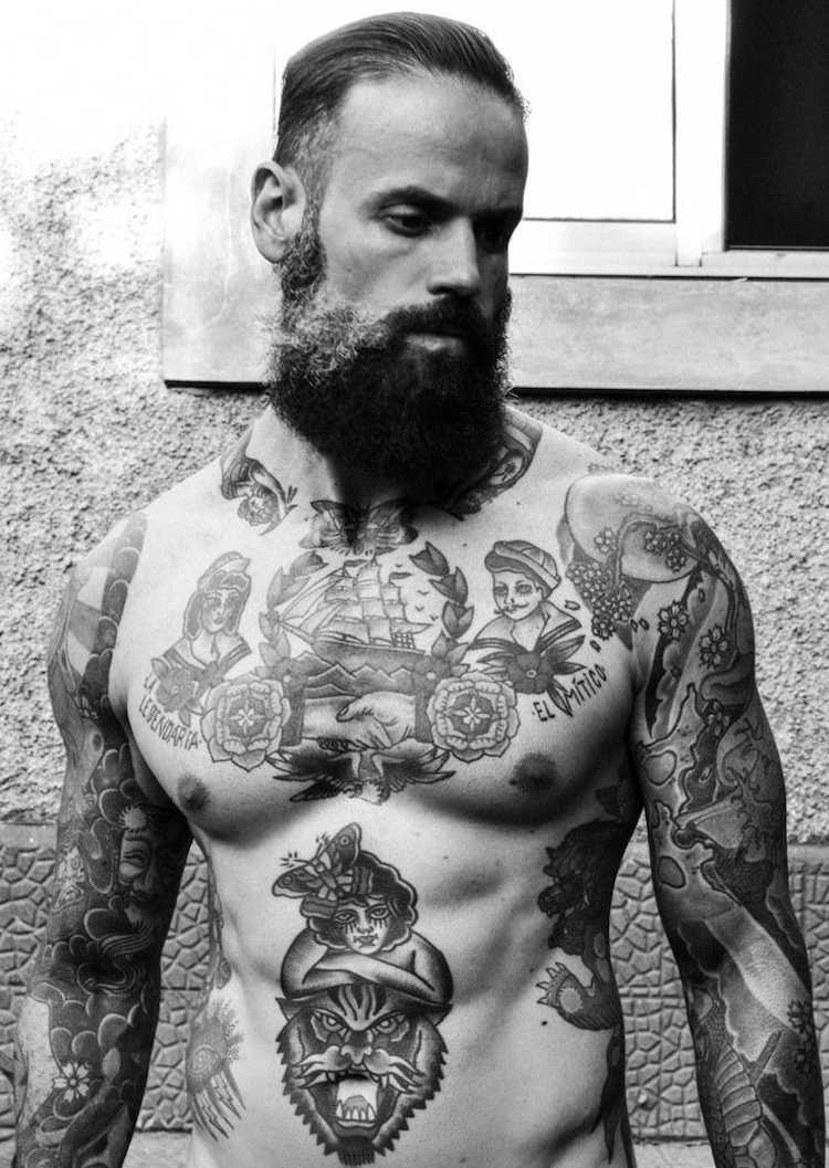 tatuajes en el pecho estilo viejo marino