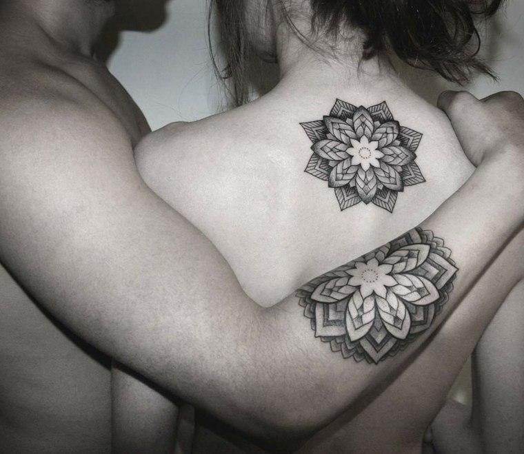 tatuajes-iguales-parejas-Chaim-Machlev