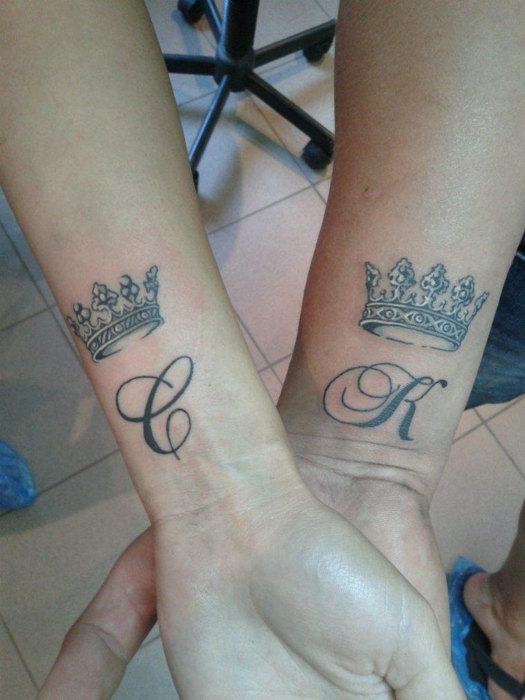 tatuajes para parejas-primeras-letras-nombres