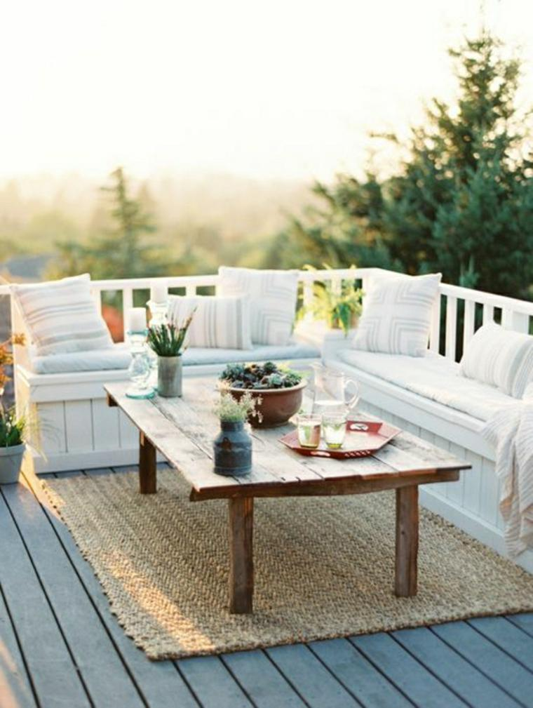 terraza con mesa