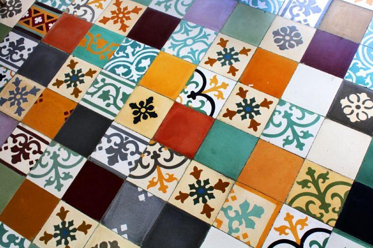 suelo con azulejos encáusticos