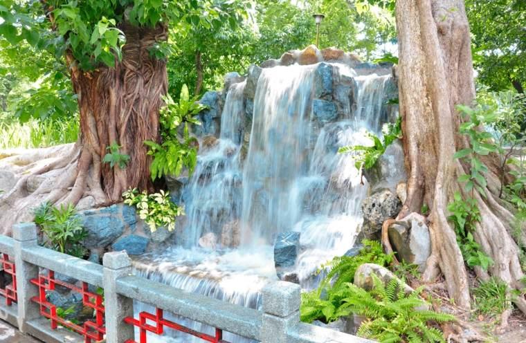 fuentes y cascadas
