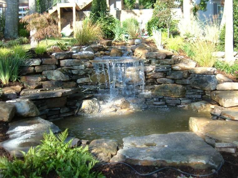cascada de piedras