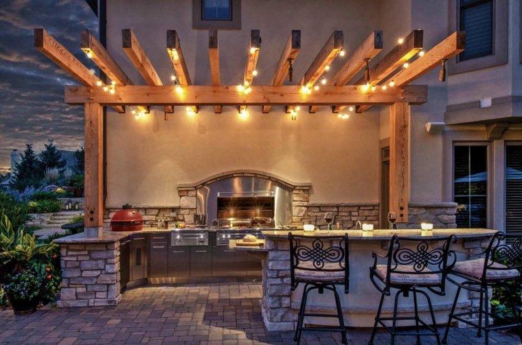 cocina-exterior-acero-diseno-iluminacion