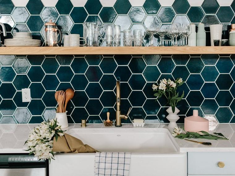 Pintar azulejos todo lo que necesitamos saber para - Pintar azulejos cocina antes y despues ...