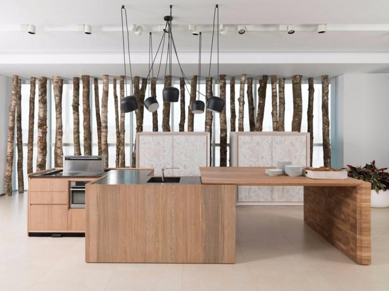 Cocinas de madera c mo elegir la mejor madera para los for Disenos de gabinetes de cocina en madera