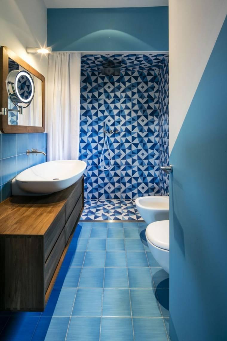 color azul-diseno-bano-pequeno