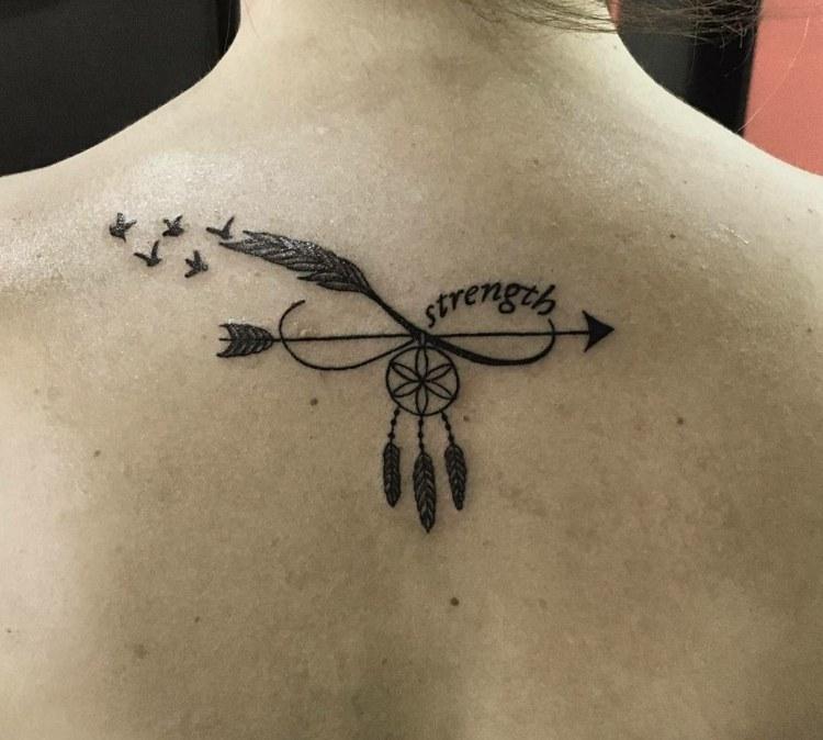 combinacion simbolos tatuaje flecha