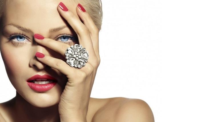 cómo pintarse las uñas-consejos-manos-saludables