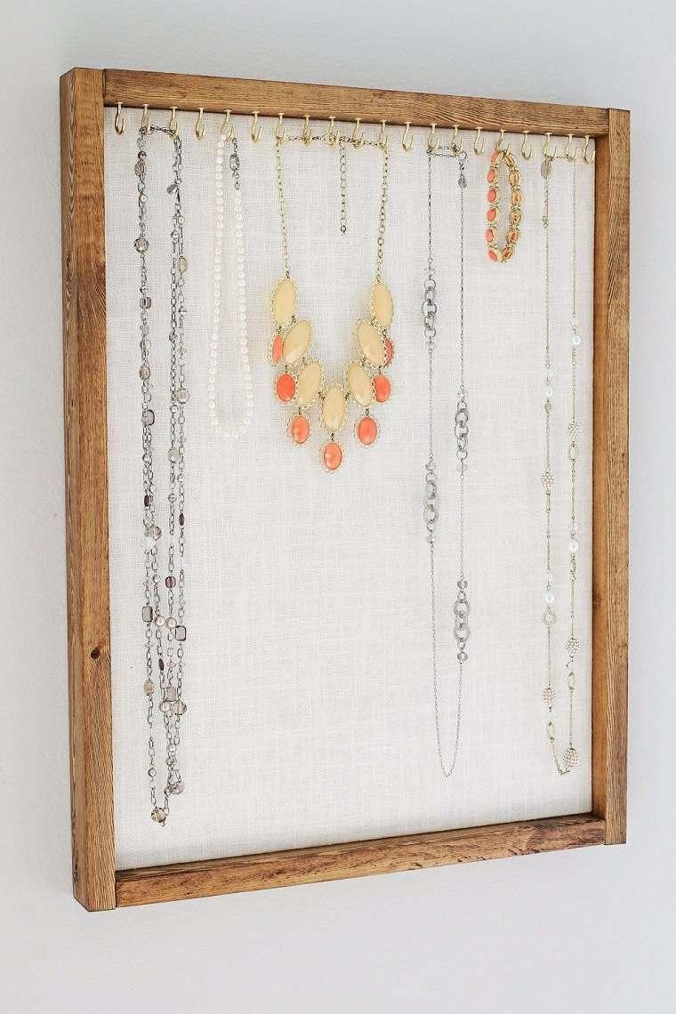 diy-decoracion-soporte-collares-marco-viejo