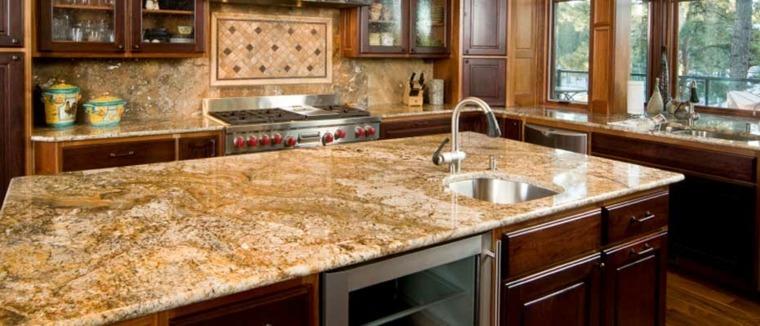 isla de cocina con superficie de granito