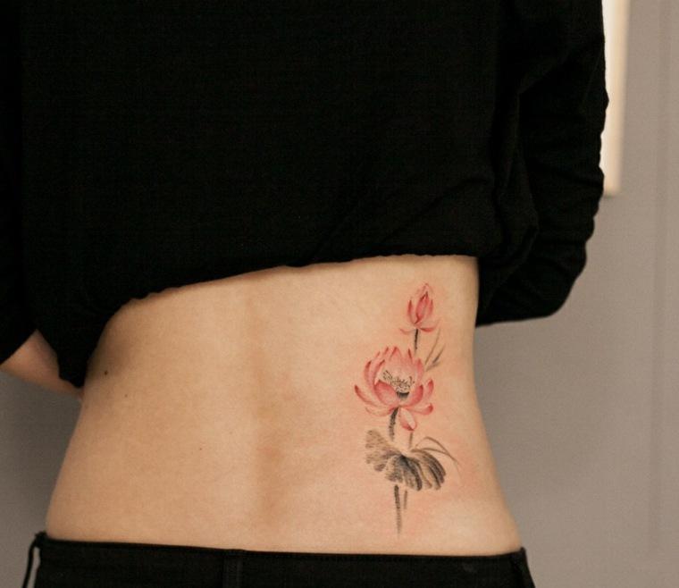 flor-grande-tatuaje-espalda-mujer-opciones