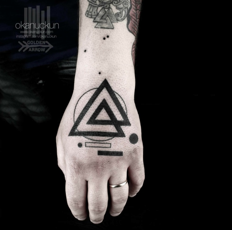 idea tatuajes manos figuaras