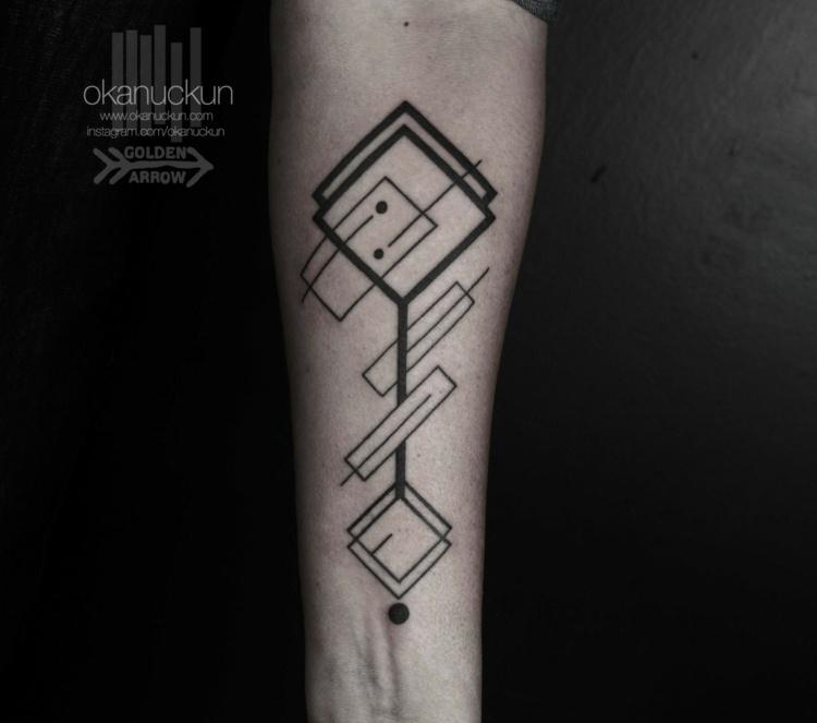 ideas tatuajes piernas grandes