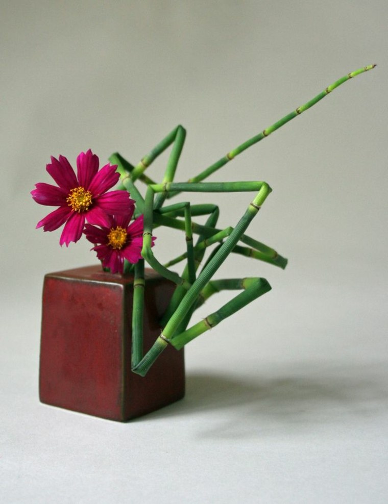 bonito arreglo floral japonés