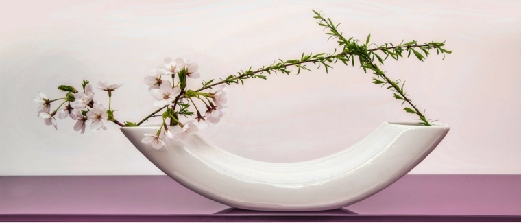 arreglo floral japonés minimalista