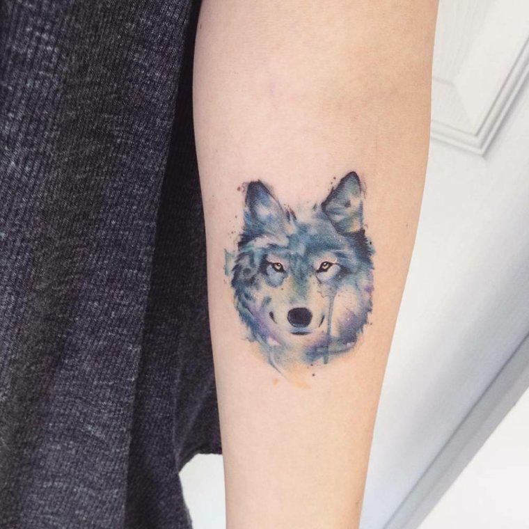 lobo-pequeno-azul-tatuejes-estilos