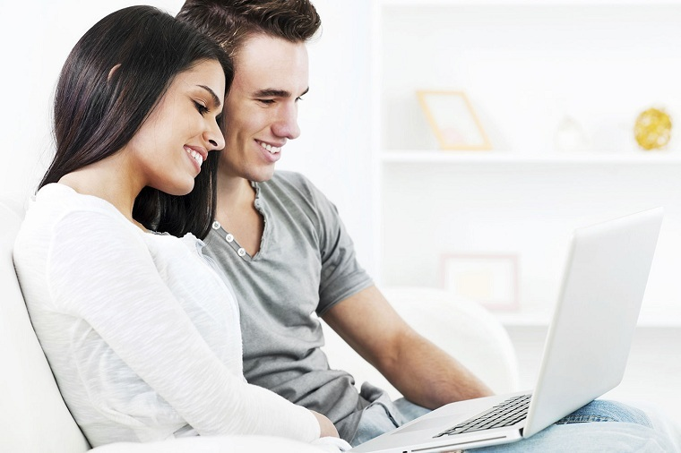 novia-novio-planeando-boda-consejos
