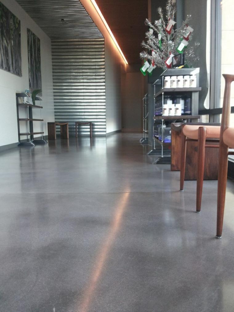 diseño de interior con suelo de concreto