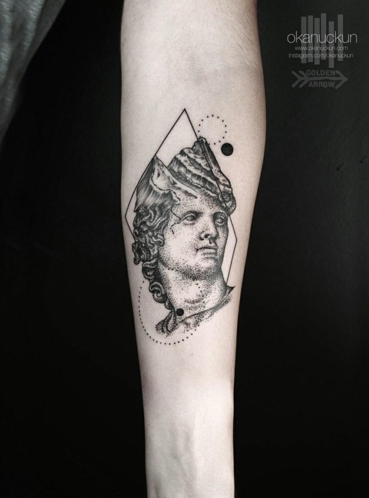 tatuaje inspiracion griega clasica