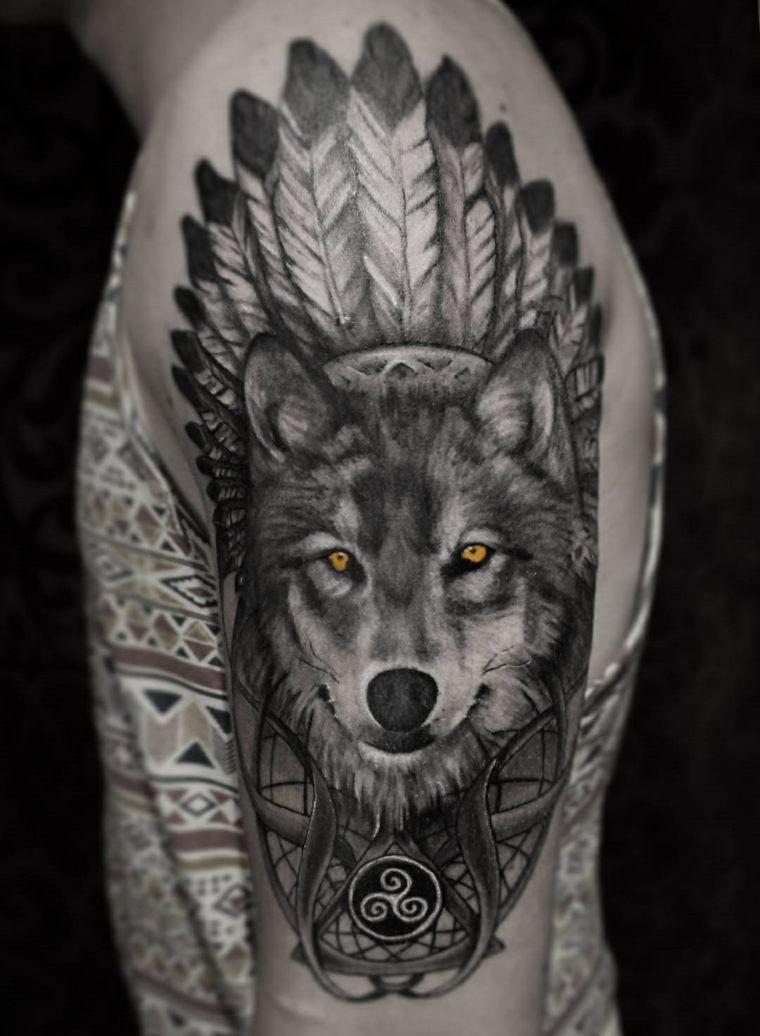 tatuajes de lobos-color-diseno-plumas