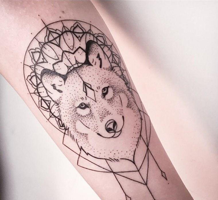 tatuajes-de-lobos-elegante-diseno-delicado
