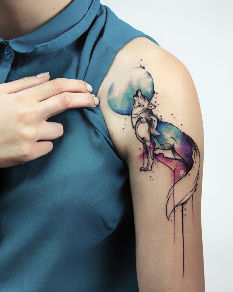 tatuajes-de-lobos-luna-llena-acuarela