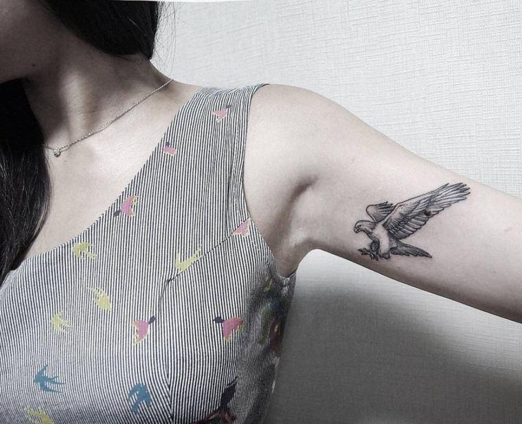 tatuajes-elegantes-mujeres-agula-opciones