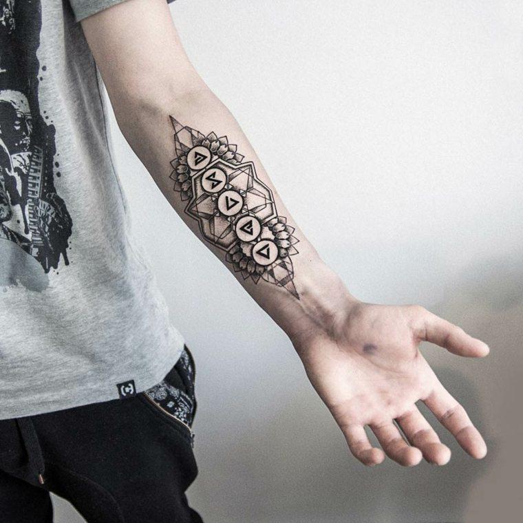tatuajes-en-el-antebrazo-diseno-opciones-originales-diseno