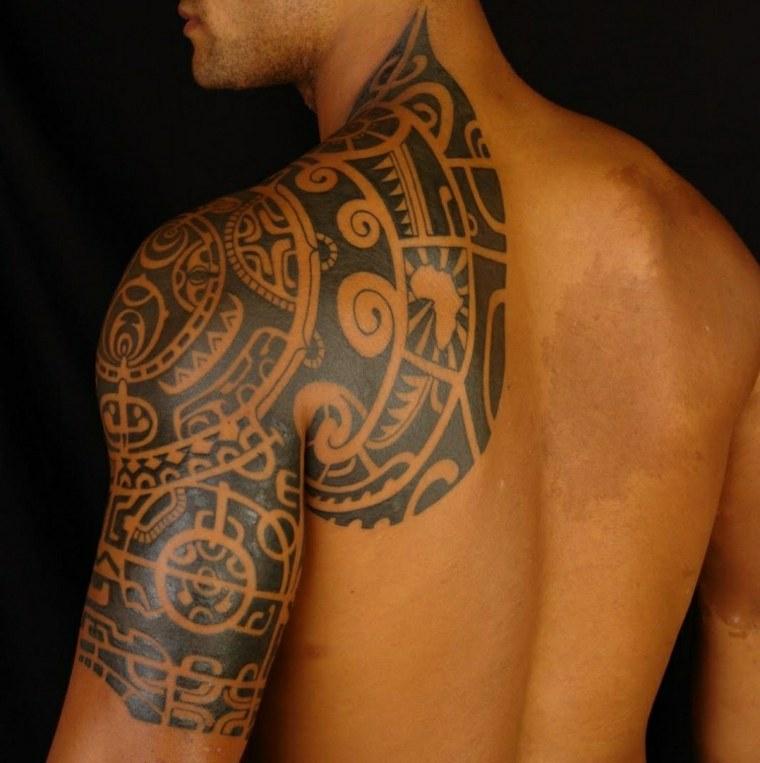 original diseño de tatuaje para hombre