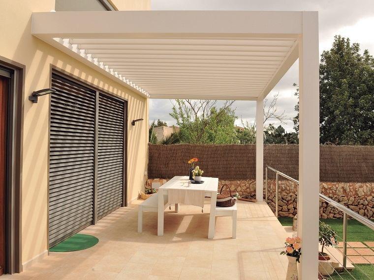 terrazas-modernas-pergola-blanca-opciones