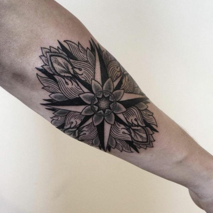 variante estrella diferente tatuaje