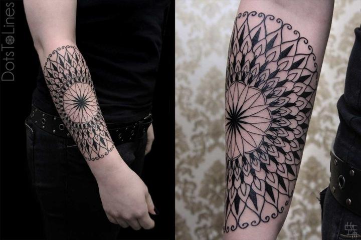 variante formas circulares tatuada