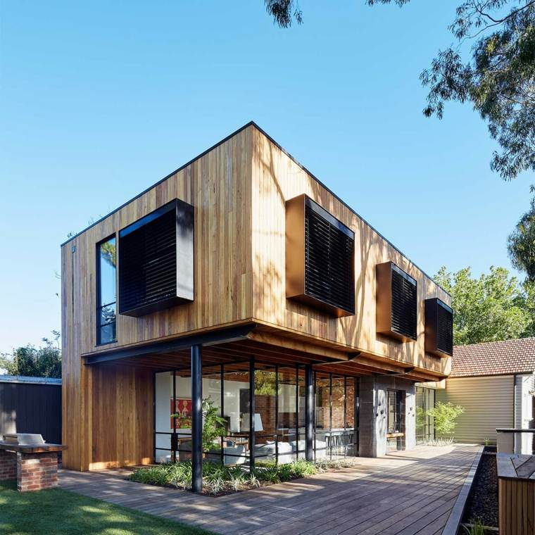 Casa de madera con un interior diferente y moderno