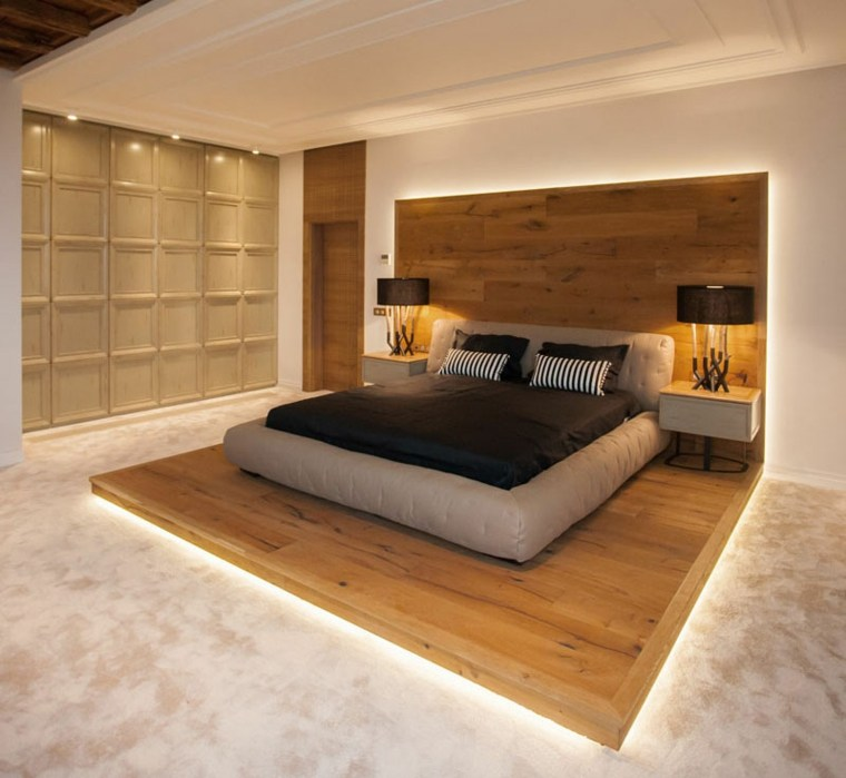 plataforma de madera con luces