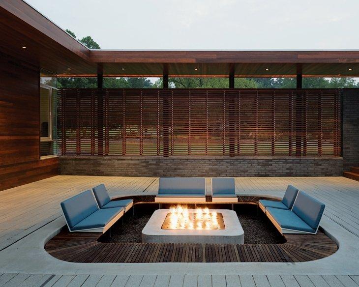 asientos nivel suelo ambiente moderno