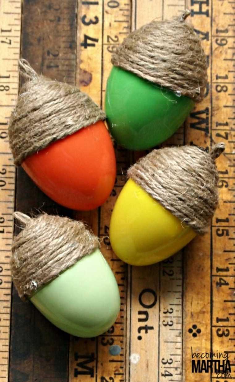 huevos cubiertos de cuerda