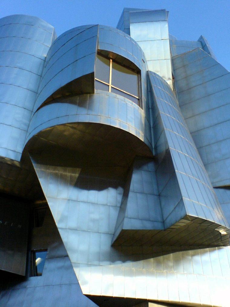 fachada deconstructivista