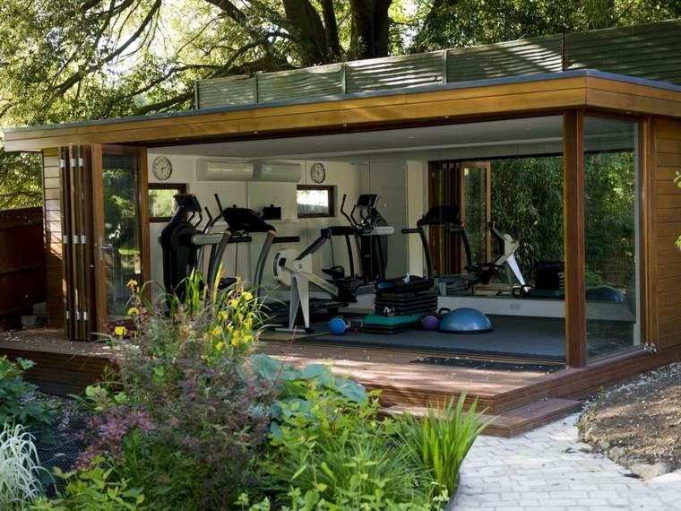 gimnasio en el jardín