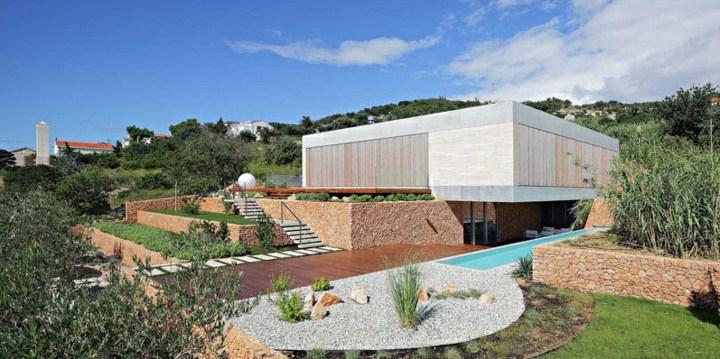 diseño impresionante piscina alargada