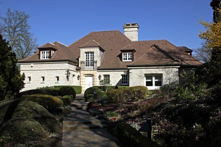 entrada-casa-belleza-plantas-estilo-moderno