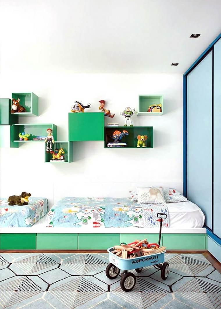 estantes verdes